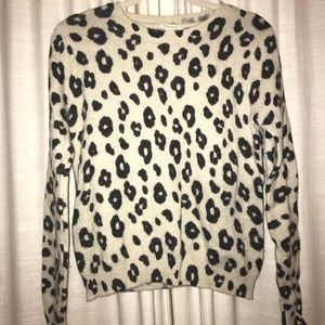 Crew neck wool animal print sweater